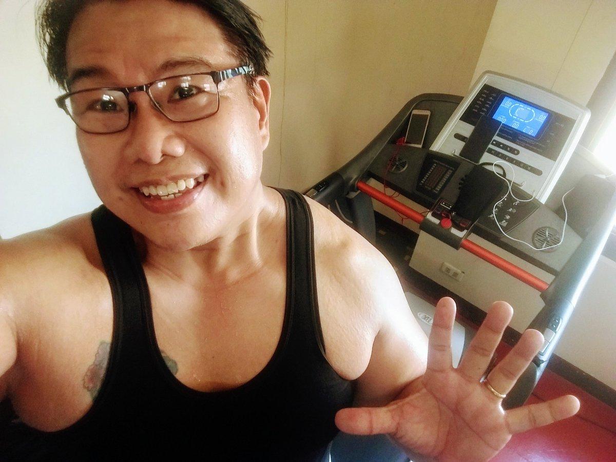 #smile #selfie #zumba #noexcuses #exercise #workout #HealthyAtHome #fitness #gymtime #weighttraining #weightloss#beastmode #friends  #coronavirus #virtualclass #love #lakers #lakeshow #goodvibes #SocialDistancing #Quarantine #WeHealAsOne #FlattenTheCurve #zumbezties https://t.co/70j9KmOuWv