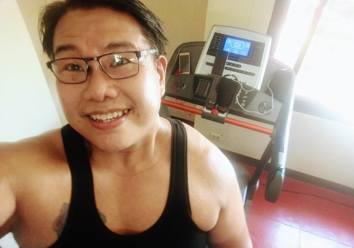#smile #selfie #zumba #noexcuses #exercise #workout #HealthyAtHome #fitness #gymtime #weighttraining #weightloss#beastmode #friends  #coronavirus #virtualclass #love #lakers #lakeshow #goodvibes #SocialDistancing #Quarantine #WeHealAsOne #FlattenTheCurve #zumbezties https://t.co/2v9zdx7cQD