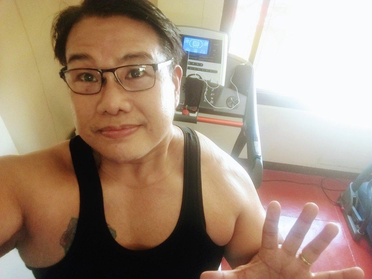 #smile #selfie #zumba #noexcuses #exercise #workout #HealthyAtHome #fitness #gymtime #weighttraining #weightloss#beastmode #friends  #coronavirus #virtualclass #love #lakers #lakeshow #goodvibes #SocialDistancing #Quarantine #WeHealAsOne #FlattenTheCurve #zumbezties https://t.co/MhVXcWFoJB