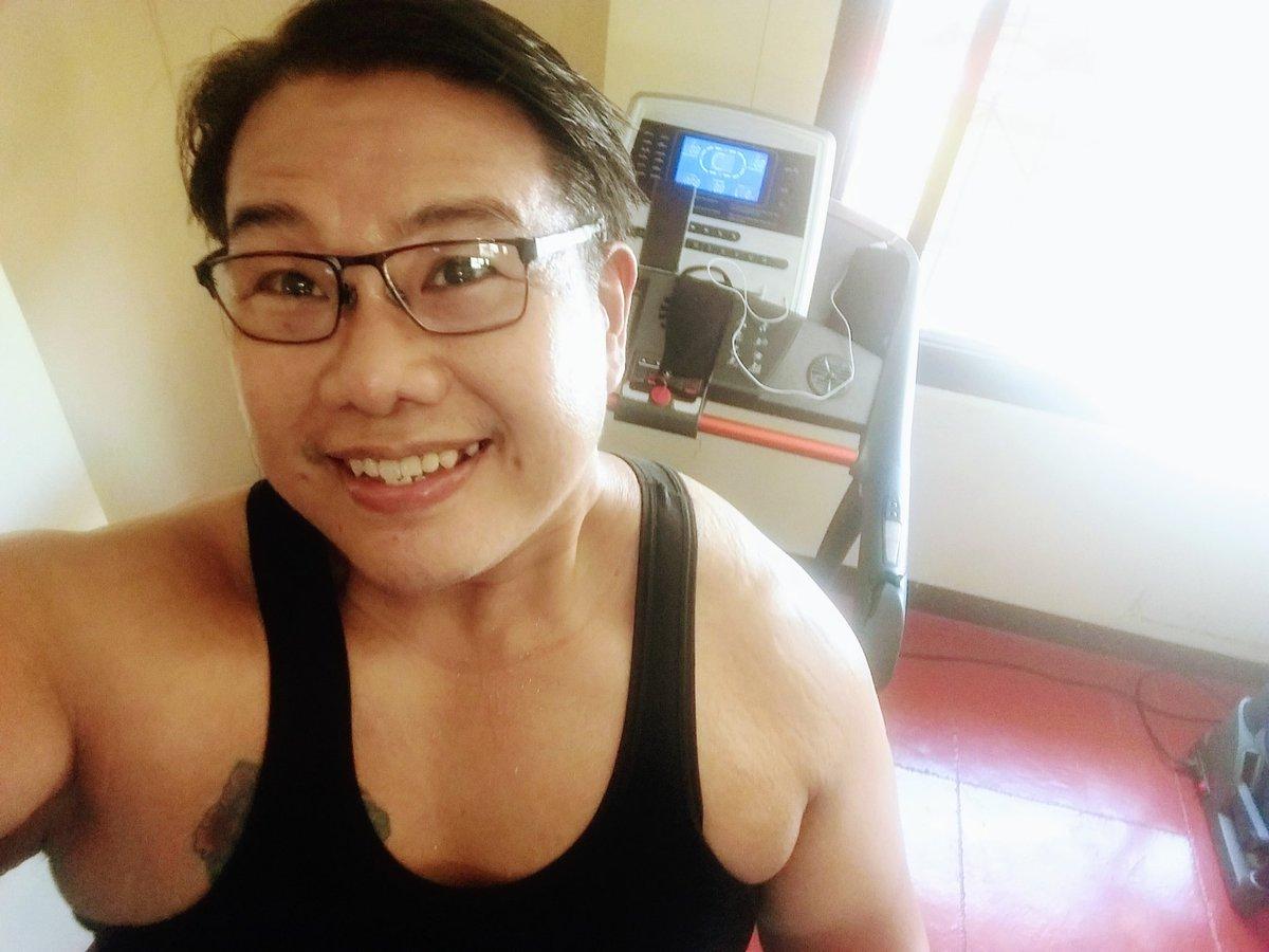 #smile #selfie #zumba #noexcuses #exercise #workout #HealthyAtHome #fitness #gymtime #weighttraining #weightloss#beastmode #friends  #coronavirus #virtualclass #love #lakers #lakeshow #goodvibes #SocialDistancing #Quarantine #WeHealAsOne #FlattenTheCurve #zumbezties https://t.co/x3p6EkK0YC