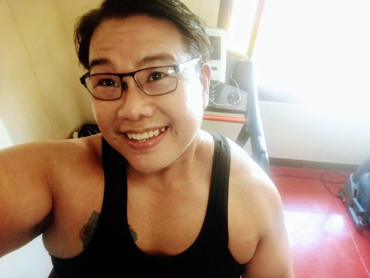 #smile #selfie #zumba #noexcuses #exercise #workout #HealthyAtHome #fitness #gymtime #weighttraining #weightloss#beastmode #friends  #coronavirus #virtualclass #love #lakers #lakeshow #goodvibes #SocialDistancing #Quarantine #WeHealAsOne #FlattenTheCurve #zumbezties https://t.co/CnYh5Lo3RM