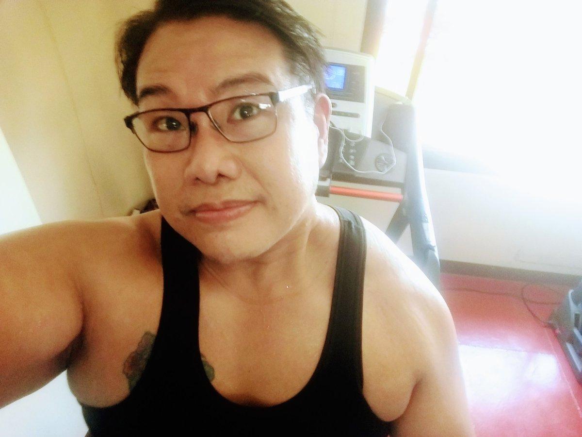 #smile #selfie #zumba #noexcuses #exercise #workout #HealthyAtHome #fitness #gymtime #weighttraining #weightloss#beastmode #friends  #coronavirus #virtualclass #love #lakers #lakeshow #goodvibes #SocialDistancing #Quarantine #WeHealAsOne #FlattenTheCurve #zumbezties https://t.co/P5p5yUVzti