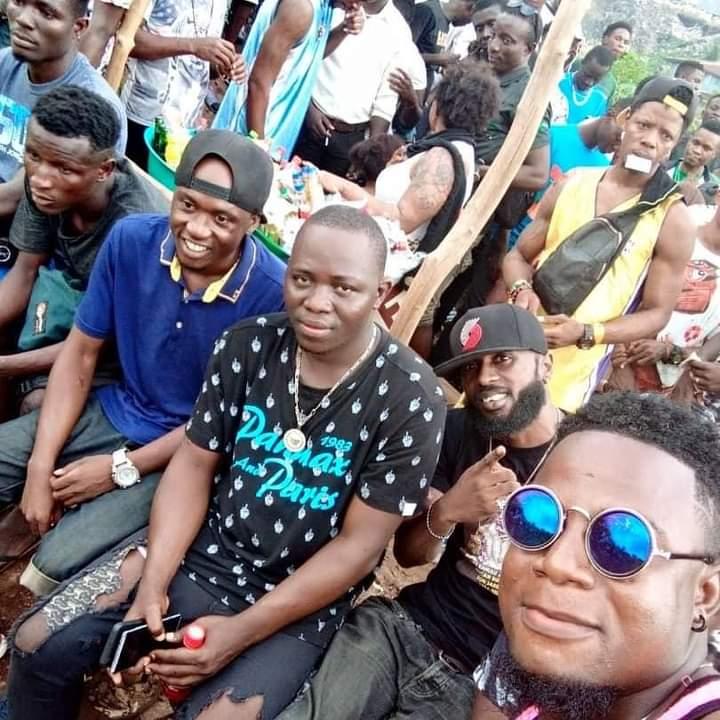 @Grind24SL East Coast, Freetown. East Hood SL love  #Freetown #SierraLeone #SaloneTwitter https://t.co/RYn8Tf22HN