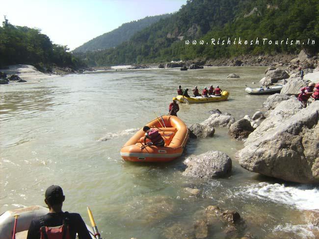 Rishikesh lies in the foothills  Ideal destination for Pilgrims & Adventure, Meditation & Yoga  &  River Rafting In #Rishikesh  https://t.co/8Ntecja21p  #ऋषिकेश #RiverRaftinginRishikesh #BungyJumping #RishikeshHotels #RishikeshCamping #RishikeshTour #Haridwar #Uttarakhand https://t.co/4gmjsYJD1h