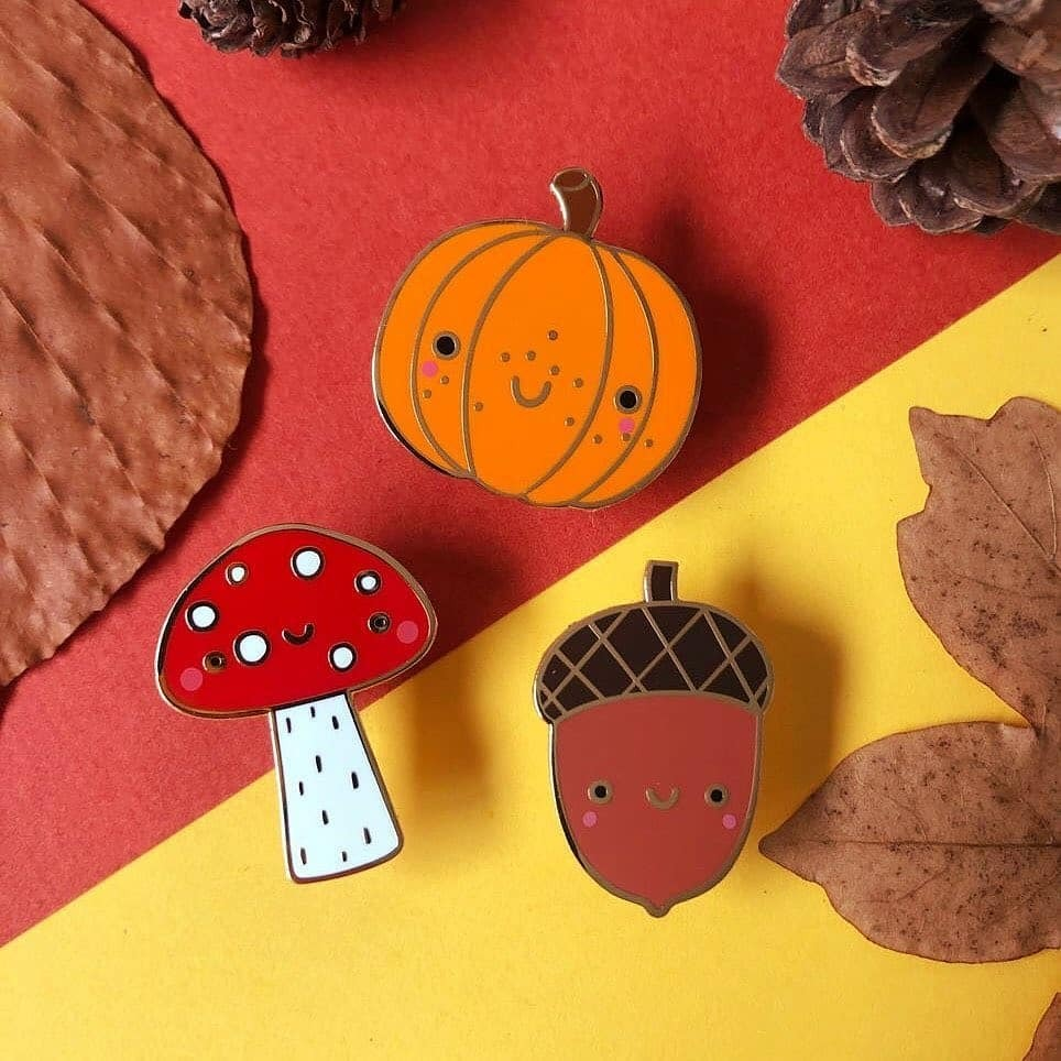 @samanthaeynon new super cute Autumn pins are now available in-store! And will be online soon 🎃🍄🌰  #autumnlove #autumnvibes #autumnismyfave #autumnaf #autumn #fall #toadstool #pumpkin #acorn #mushroom #cute #pin #enamelpin #handmadenottingham #nottin… https://t.co/kweMGjG2dz https://t.co/cnssraAesc