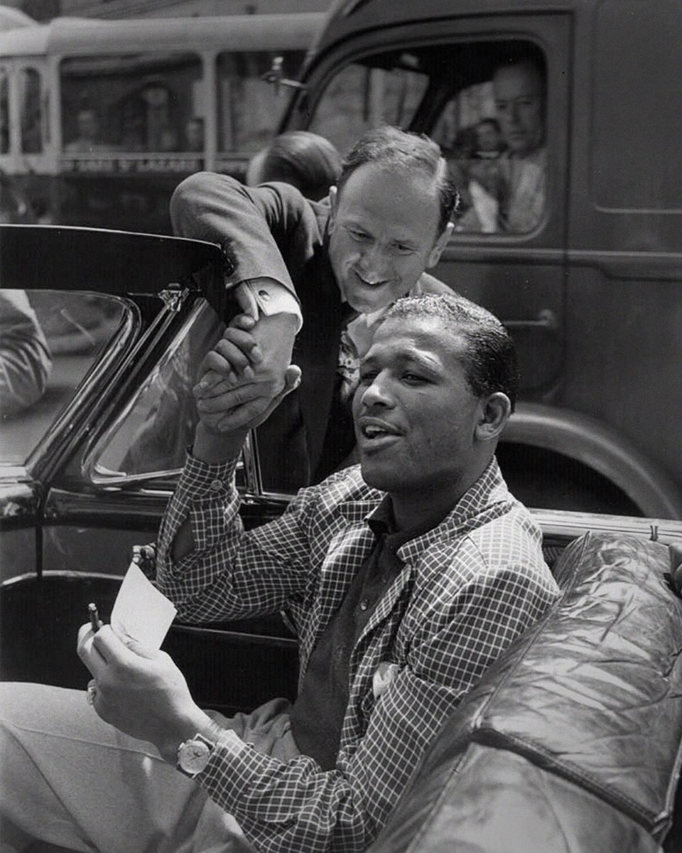 Sugar Ray Robinson crossed racial lines through actions inside & out of the ring, gathering an undivided fanbase & building community relationships, while being a strong figure for equality. He became bigger than boxing & sealed himself in history as the GOAT #BlackHistoryMonthUK https://t.co/eGBo4bgQv7