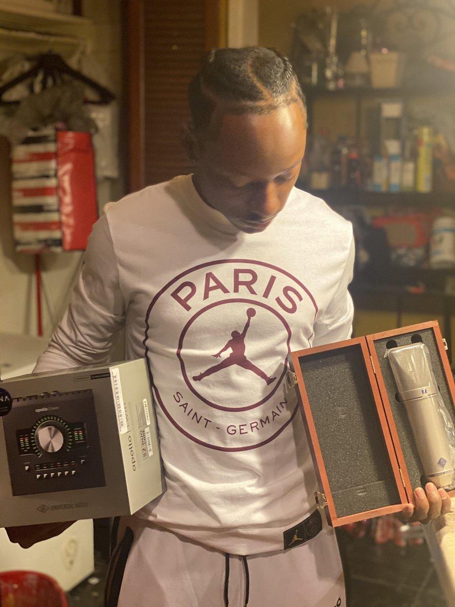 👇(PARIS Studios) https://t.co/iRfd6zFmoC  Invest in Your Craft.  #music #producer #engineer #rapper #singer #rap #sing #Beats #studio #RecordingStudio #LogicPro #Ableton #ProTools #MusicStudio #ExplorePage #BurbankStudio #ParisStudios #Paris #ApollTwin #NeumannU87 #ParisP https://t.co/Xmqkf9lDsD