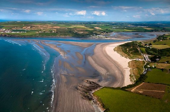 Poppit Sands Beach on the Pembrokeshire Coastal Path [uncredited] #Wales #photography #view https://t.co/iDT41yaaIW