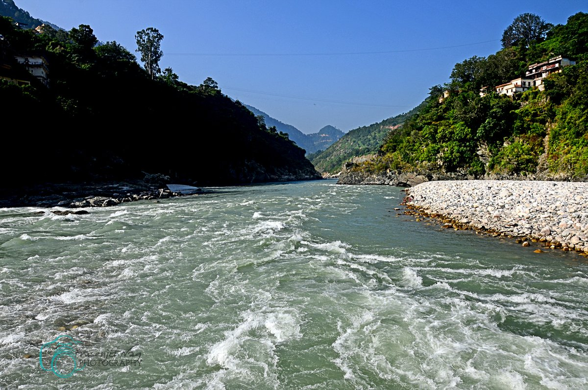 #Rudraprayag , A #Confluence Of #River #Alakananda And #Mandakini #Garwal #Himalayas #Uttarakhand #India #chardham #Uttarakhandtourism #Uttaranchaltourism #Devbhoomi #simplyheaven #snowpeak #mountains #trekking  #hikingadventures #IncredibleIndia @UTDBofficial @incredibleindia https://t.co/gULQb1y8cf