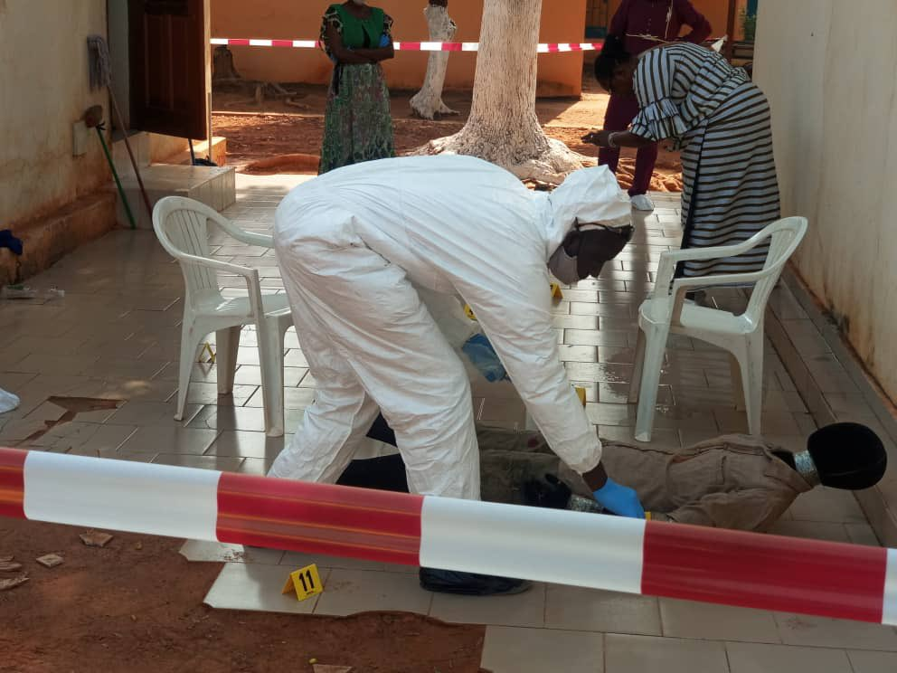 #MINUSMA🇺🇳Bamako, Mali🇲🇱:  Norwegian🇳🇴& French🇫🇷 Specialized UN Police team is making great progress with training Malian counterparts. Covid-19 doesn't stop the important work with crime scene investigation.  Long term results: ✔️Less impunity ✔️Increased security #A4P #UNPOL https://t.co/elAhzp3PcJ