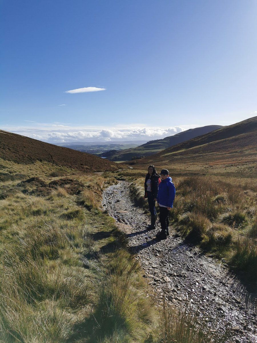 First time up the #Pentlands for a long while #Familytime #SchoolWeek https://t.co/uvC0FIzqmN