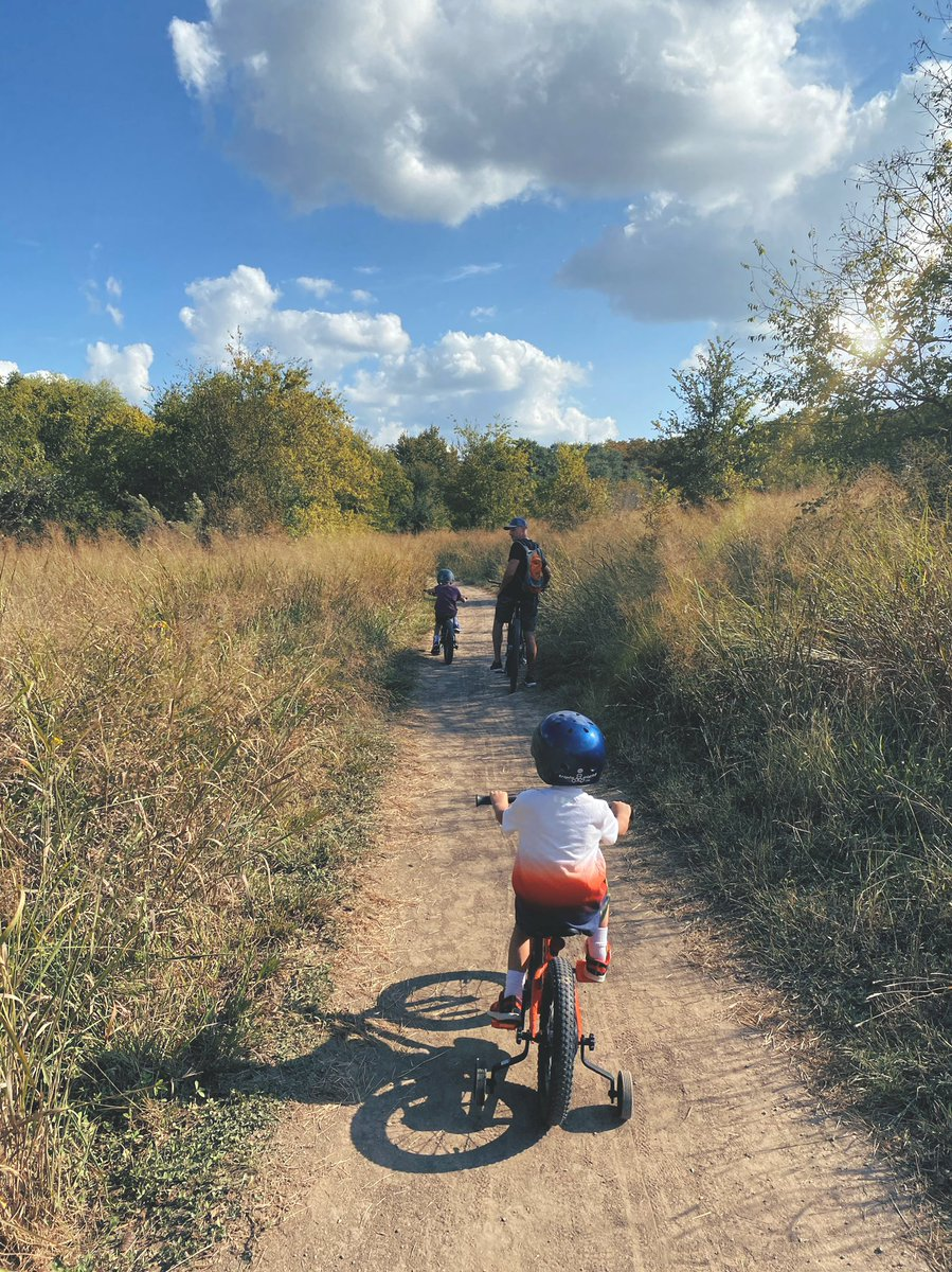 Days like yesterday make the hard days seem insignificant. 🚲  #familytime #hikeandbike #fitfam #afterschoolspecial #bewell https://t.co/UxxIzSAv8t