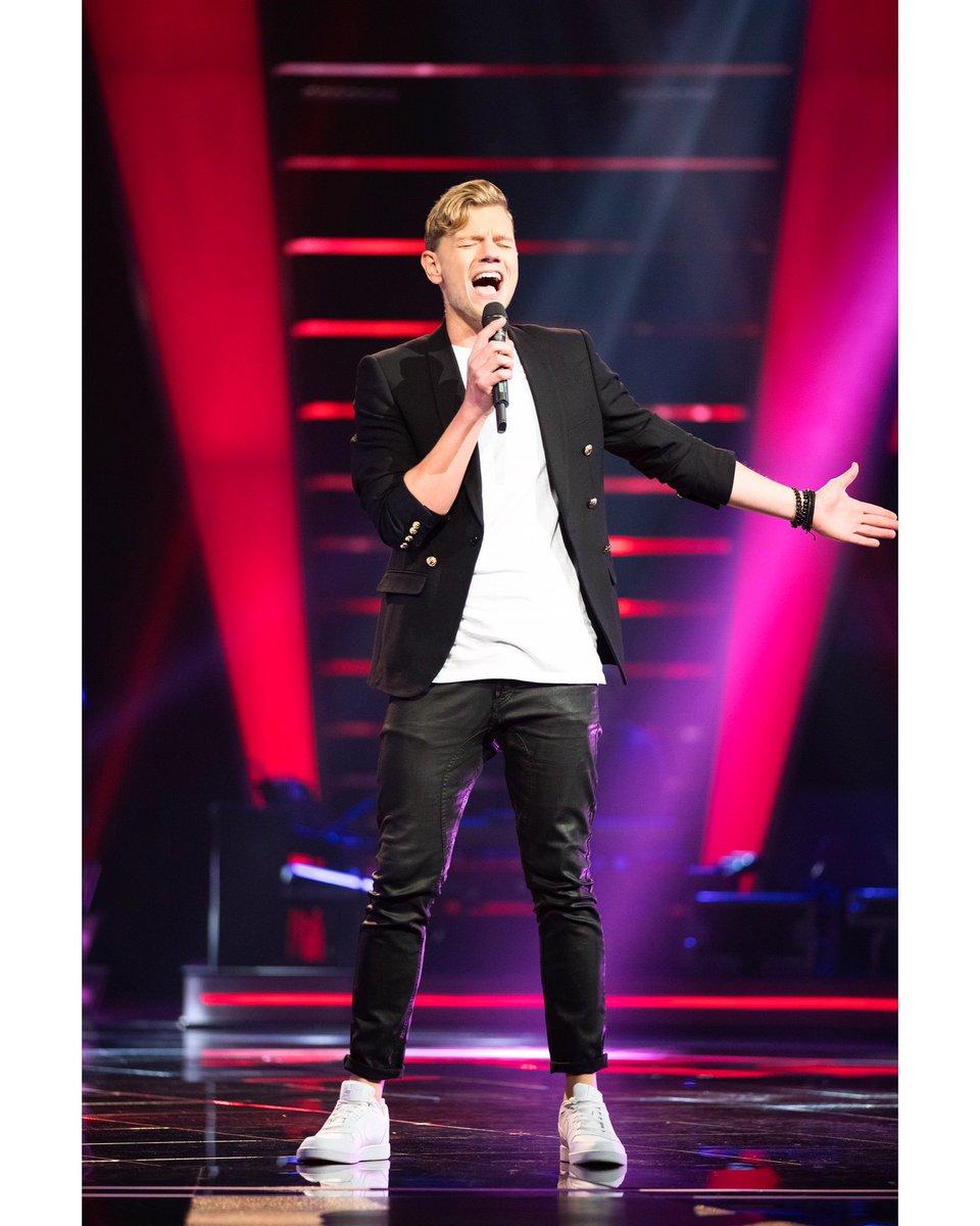 Krijg net een mooie herinnering binnen! 3 jaar geleden stond ik de longen uit m'n lijf te zingen in de hoop op een plaatsje in de liveshows van @RTL_TVOH! Wat was het een onvergetelijke tijd!! Hopelijk snel weer het podium op❤️! #tvoh #tv #singer #dutch #artist #pop #knockout https://t.co/TySblp7rVU