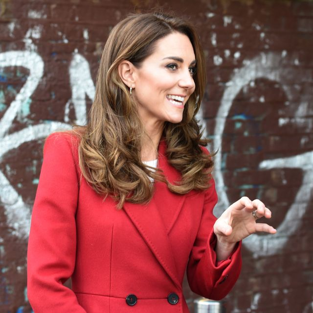 If there's one member of the royal family who continues to serve style inspiration, it is none other than Kate Middleton. Read the article to find out more. #KateMiddleton #Fashion  . https://t.co/G1EIHNvpUT https://t.co/BSsm00u0Ix