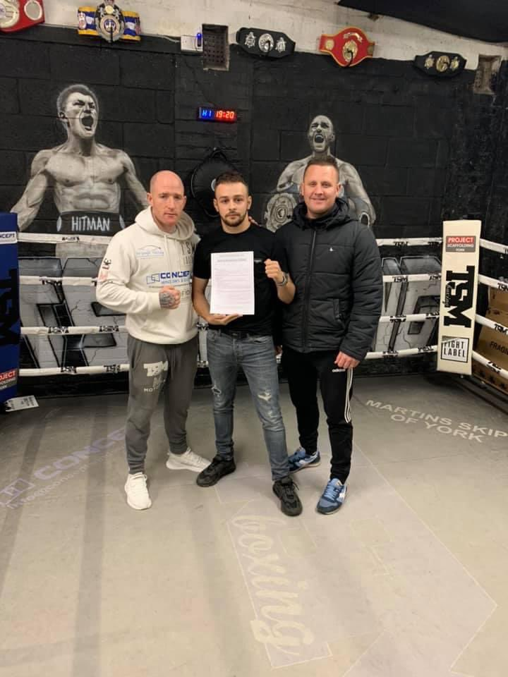 Been his dream since he was 9 years old, never stopped believing, never given up, never listened to the doubters.  Proud  DadNow we are all official!   #supportlocal #supersamgreenfield #box #boxer #professional #dreams #dreamjob #followyourdreams https://t.co/pY9txA8hpR