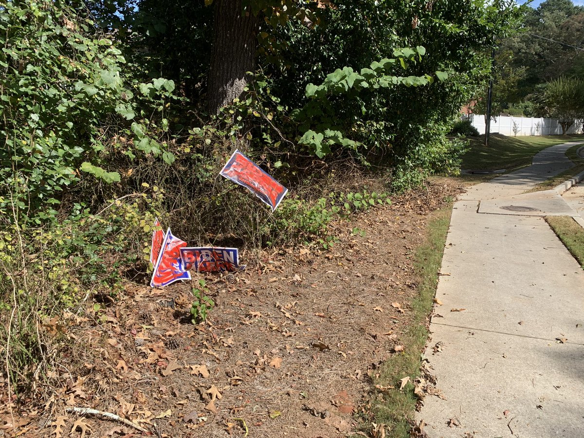 Disappointed to see that someone in the neighborhood is stealing and defacing yard signs and then just leaving them along the road. Disrespectful. I hope that they learn that it isn't about the signs, but what happens in the polling booth. @JoeBiden #vote https://t.co/AhKLRwGlBD