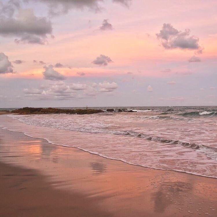 𝒾'𝓂  𝒻𝓇𝑒𝑒   𝓁𝒾𝓀𝑒  𝓉𝒽𝑒  𝑜𝒸𝑒𝒶𝓃 🌊 #free #i #ocean #sea #love #sky #sunset #beach #pink #purple #clouds #aesthetic #sun https://t.co/0mVk7iX6Do