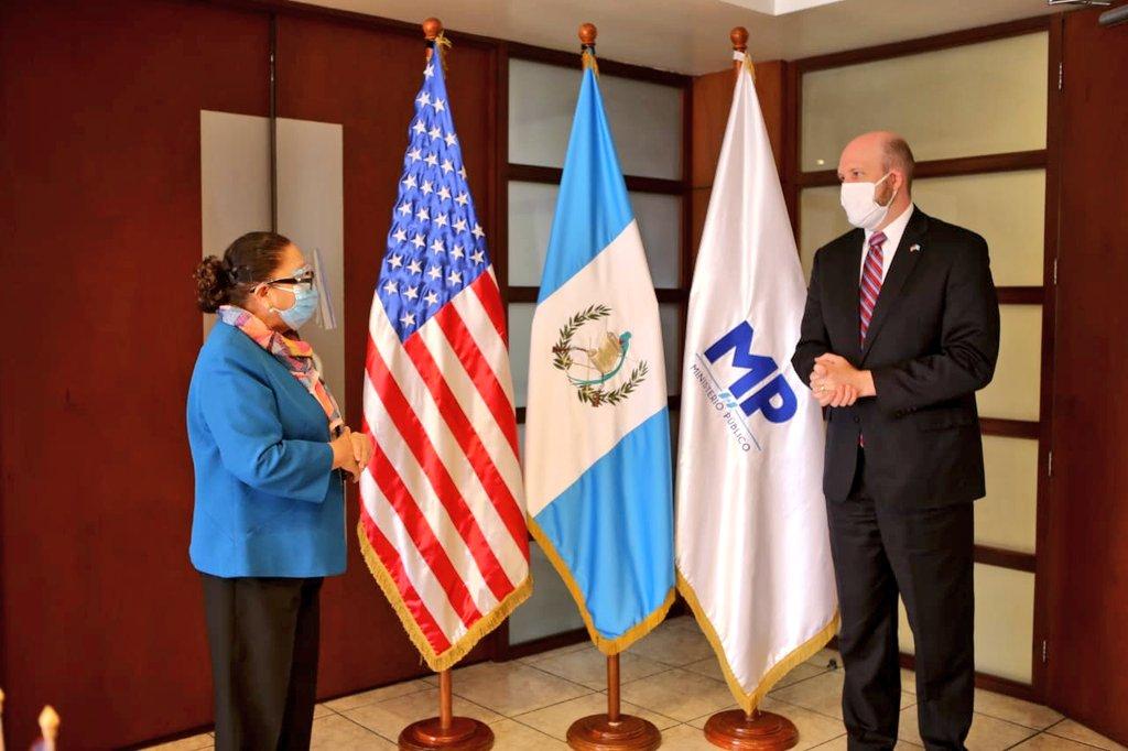 test Twitter Media - La Fiscal General de la República y Jefe del Ministerio Público, María Consuelo Porras recibió la visita del Embajador de los Estados Unidos en Guatemala, William W. Popp, informó el MP. https://t.co/IGjhKRWM0O