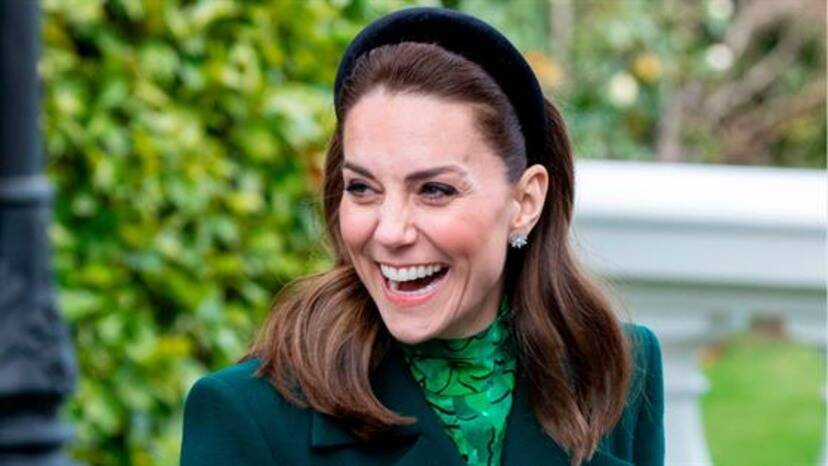 The Duchess of Cambridge, Kate Middleton is a class apart and sure knows how to serve some major style inspiration.  Read the article to find out more. #KateMiddleton #Fashion  . https://t.co/HyH8IibhGZ https://t.co/s0yqyL6A7W