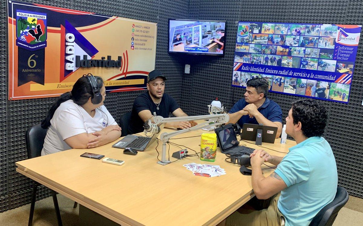 """❗️#DUPLEX 📻 📺 ❗️ @Identidad879 @noticiasdel6  #ahora Javier Noguera y Matias García integrantes del """"GRUPO DE BARBIJOS SOLIDARIOS""""   📲 3764-704708 https://t.co/rQ9YWtjPJn"""
