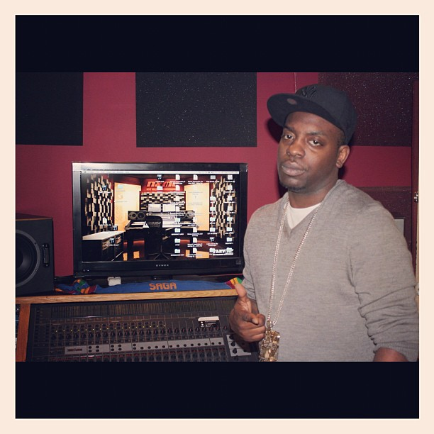 Studio flow with Uncle Murda  Let's make it happen. Come over to Our New Studio: https://t.co/mf5uC6vOoL  #unclemurda #studioflow https://t.co/sIgvLBDESL
