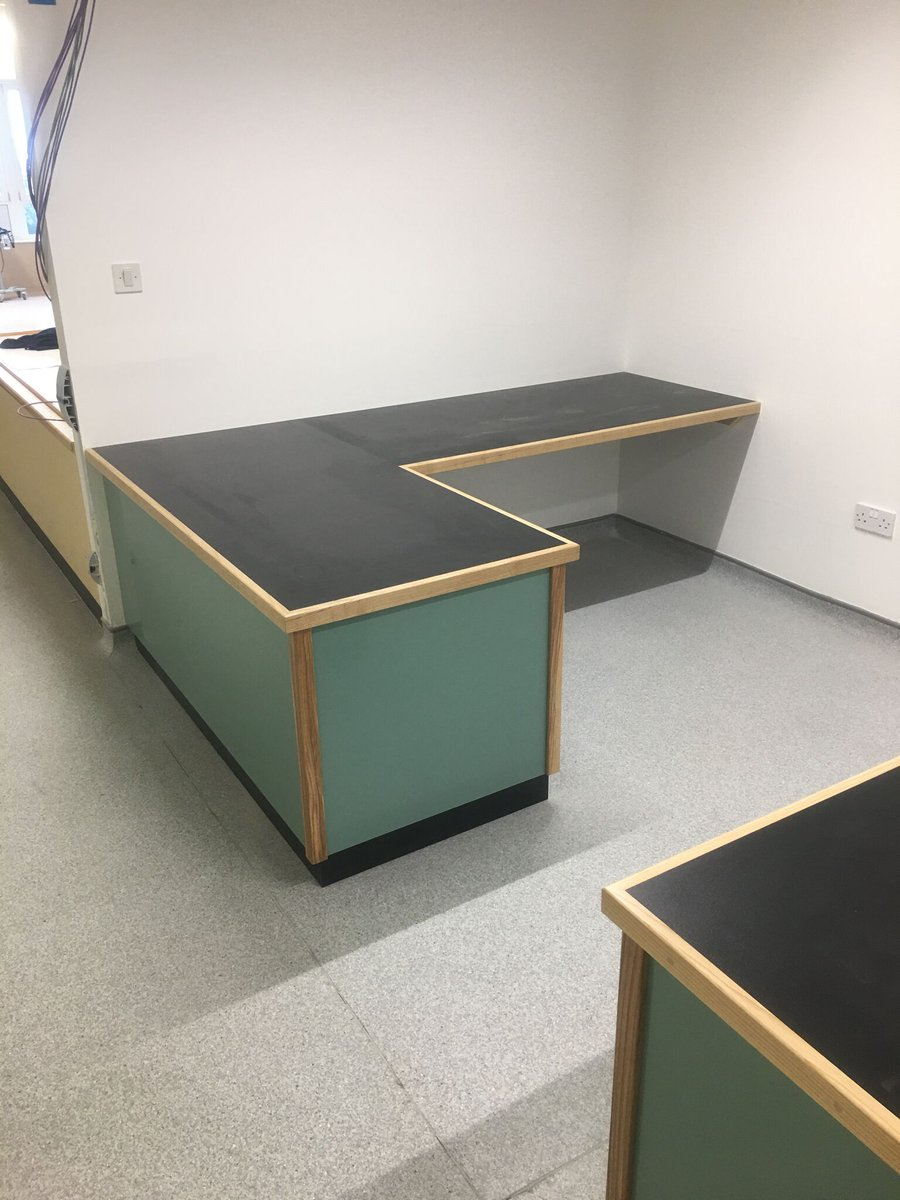 In the images below you can see a small nurse station that we have manufactured and installed at Carlisle Hospital for JJ Group via Interserve.  🔨 Manufactured by Chris Ritson, Slav and Pascal  👷 Installed by Paul Lewis and George Hutton  #CarlisleHospital #NHS #Construction https://t.co/qLMr3YY4n8