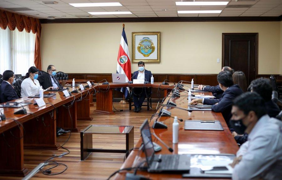 Empresarios confirman participación en nueva mesa de diálogo del gobierno: UCCAEP decidirá este jueves https://t.co/wwhq0DqKfZ #NM935 https://t.co/zYpfV41qNv