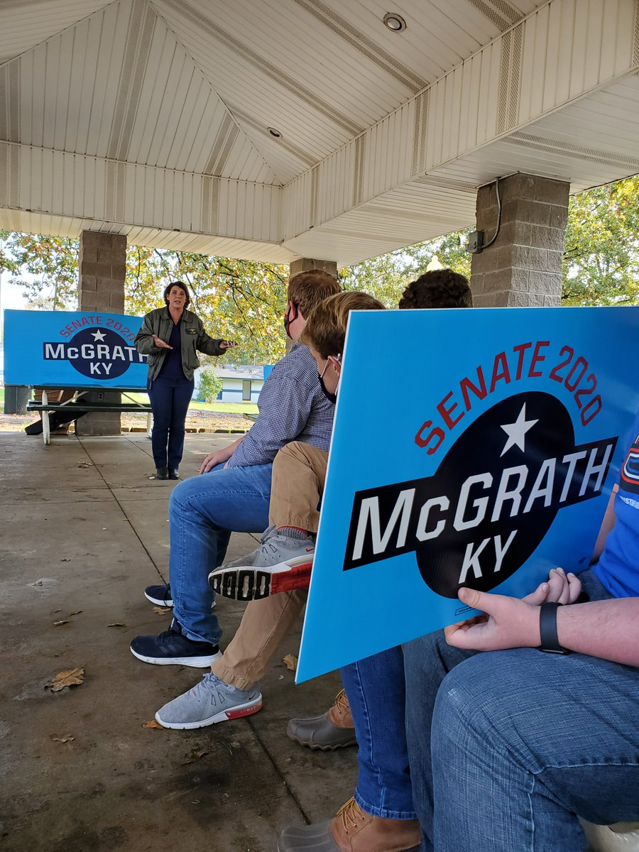 Great enthusiasm in Murray yesterday! Thank you to the Murray State College Dems and engaged community for showing up for our democracy. You can vote early now! Visit kentuckyvotes.com to learn how.