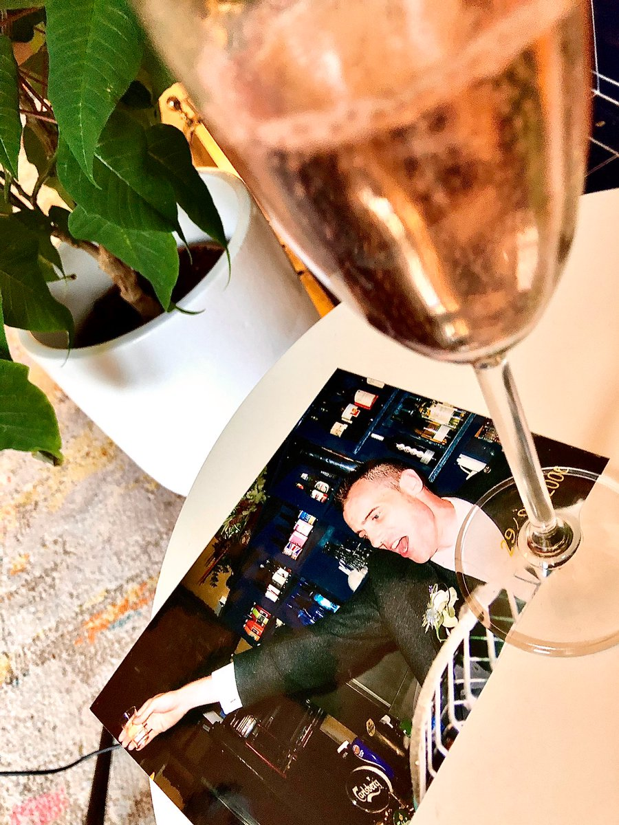 🥂 fizz to say 🎂 Happy 50th birthday to an effervescent @roddy_hunter over virtual cocktails today. A joy to see one of my bestest buddies for over 30 years & his beautiful @juditbodor4 and other pals all in their groove online. Blessed to call this superstar a pal 💥 Slàinte 😘