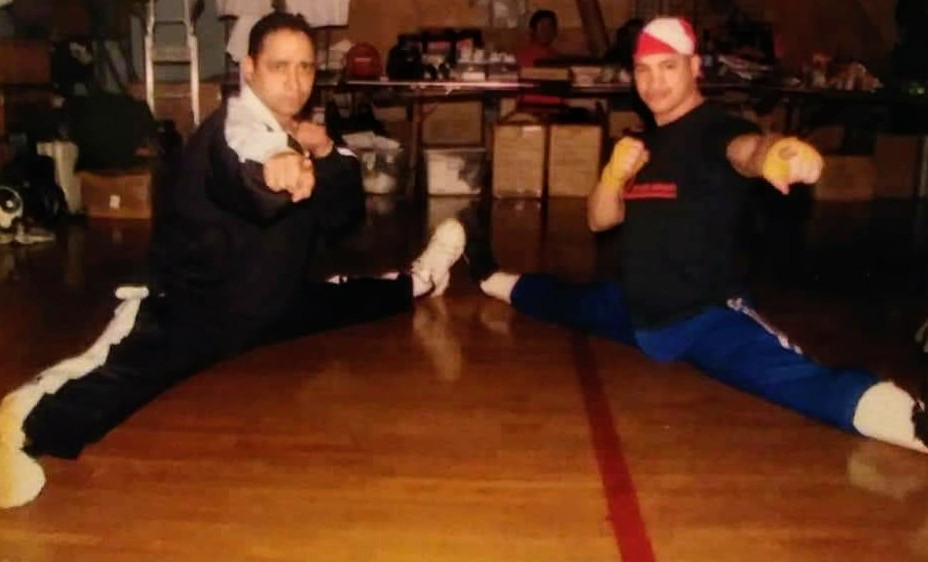 Two Champions doing The Split! Friend & Multi Karate Champion Jerry Fontanez & The Tiger i was competing that day, it was a elimination Kickboxing competition i won the 1st fight by TKO & lost the 2nd by decision. #AnthonyTheTigerCruz #TeamRenzoGracie @Twitter https://t.co/cn77UI7kP3