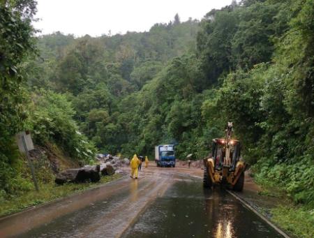MOPT pide a conductores evitar transitar por Interamericana Sur durante las tardes https://t.co/dQx6sM4P0I #NM935 https://t.co/0vkQfFPaEV