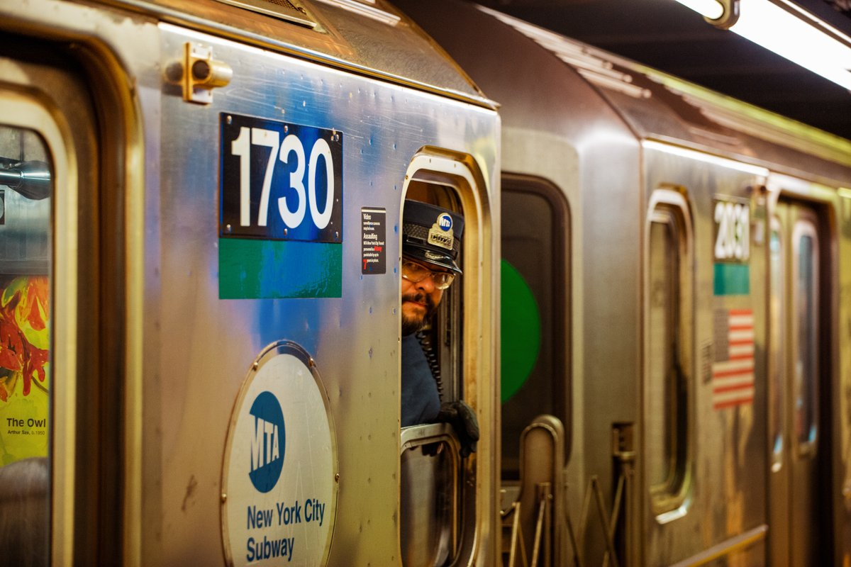 All aboard!  Let's hit the streets and take some photos!📸 .  #street #photography #photooftheday #travel #travelphotography #urban #streetphotographer #nyc #photographer #instagood #picoftheday #portrait #streetlife #agameoftones #art #city #urbanphotography #streetart #newyork https://t.co/eRV5x8RMGF