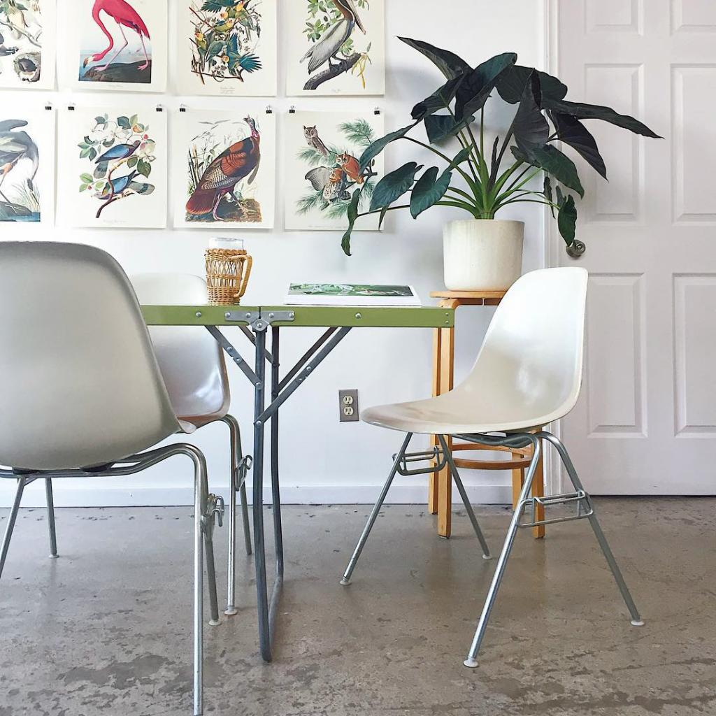 Feel that tranquil Sunday morning feeling—even on a Wednesday. Power through projects or enjoy a lunch break in the Eames Shell Chair, molded to make your body feel at ease during work and play. https://t.co/F2ahJ2EPex  #HMatHome 📸: chesterebona https://t.co/UQVzlxaYsT