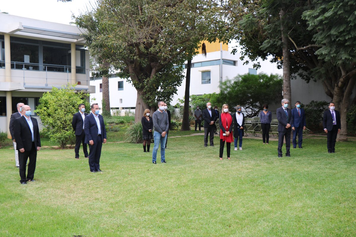 À la suite de l'attentat terroriste de Conflans-Sainte-Honorine, un moment de recueillement a été organisé aujourd'hui dans le jardin de l'ambassade de France au Maroc en hommage à la mémoire de Samuel Paty.  À Samuel Paty 1973 — 2020 #Hommagenational https://t.co/k3VGGh9I8A