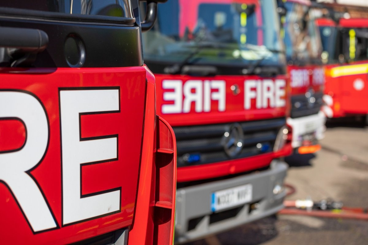 A woman was rescued from a block of flats after a fire in #Willesden yesterday evening london-fire.gov.uk/incidents/2020…