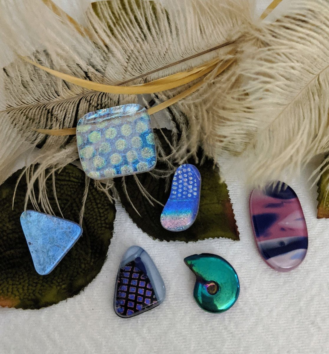 Sharing for Debbie Whitaker on Etsy  Really love this, from the Etsy shop OneOfaKindHardToFind. https://t.co/JusQiyfSNu #etsy #dichroic #glass #cabochons #jewelrymaking #supplies #unique #ooak #oneofakind #jewelrysupplies https://t.co/Tza2Fda3PX