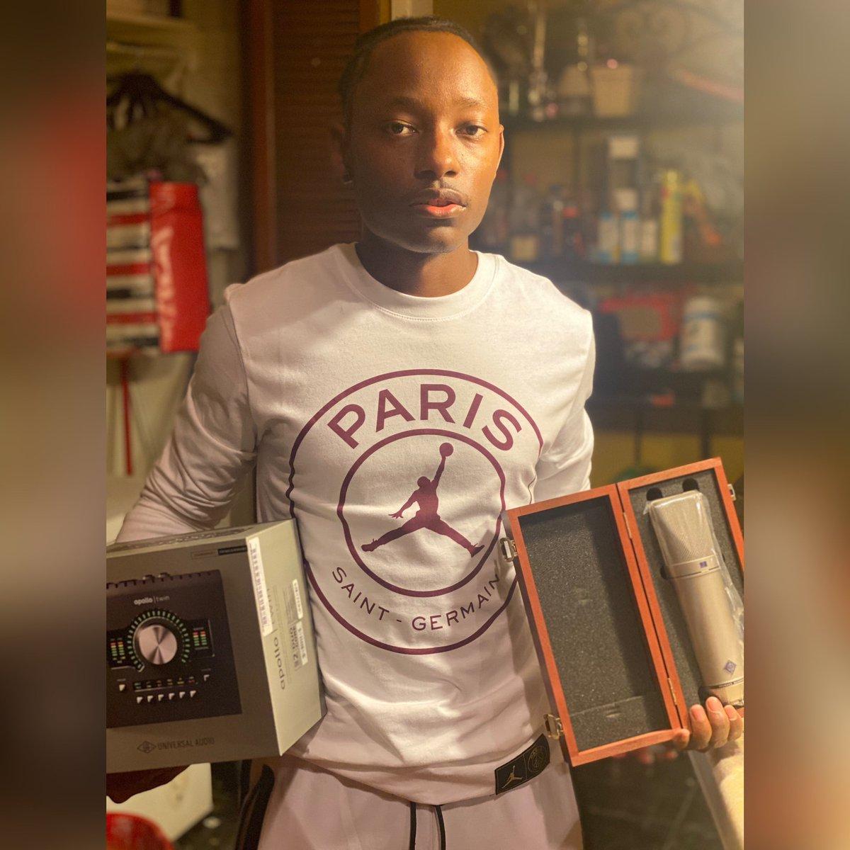 👇(PARIS Studios) https://t.co/mTRrow7zD9  Invest in Your Craft.  #music #producer #engineer #rapper #singer #rap #sing #Beats #studio #RecordingStudio #LogicPro #Ableton #ProTools #MusicStudio #ExplorePage #BurbankStudio #ParisStudios #Paris #ApollTwin #NeumannU87 #ParisP https://t.co/lTCW6orcKq