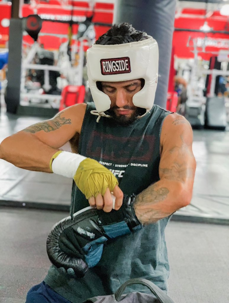 The work must be put in 👊🏻👊🏻 #mma #muaythai #boxing #beastmode #champion #kickboxing #grappling #fighter #fitness #fitnessmotivation #fitnessaddict #americantopteam #wrestling #photooftheday #picoftheday #instamood #instadaily #mylife https://t.co/3FdFX2ZlJX