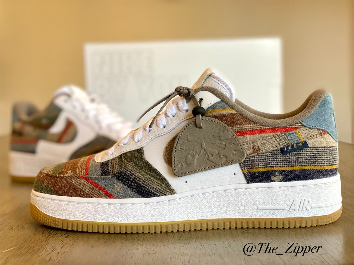 BIG shout out to @J23app for the early link this year. These AF1 Pendleton's are a MUST cop. High quality materials and buttery leather all around. Highly recommended on the next #Restock #MailCall #Nike #NikeID #AF1 #pendleton https://t.co/Hpg207QofW