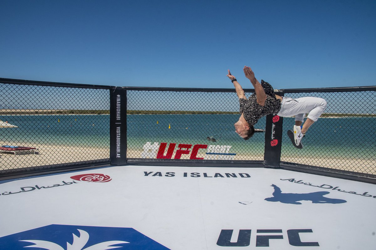 That Fight Island ENERGY 😎 @MikeChandlerMMA @ufc   #UFC254 #InAbuDhabi #MonsterEnergy https://t.co/WSc3EwEQja