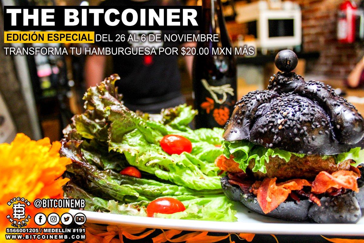 Por temporada de #DíadeMuertos ✝️  Todas nuestras #hamburguesas 🍔 se visten de negro⚫️ , visítanos y disfruta esta deliciosa 😋 presentación #TheBitcoiner #EdiciónEspecial por $20.00 MXN más.  Vigencia del 26 de #octubre al 6 de #noviembre.   #BiTC #Pizza #Cerveza #Medellín191 https://t.co/709PcrxRLQ