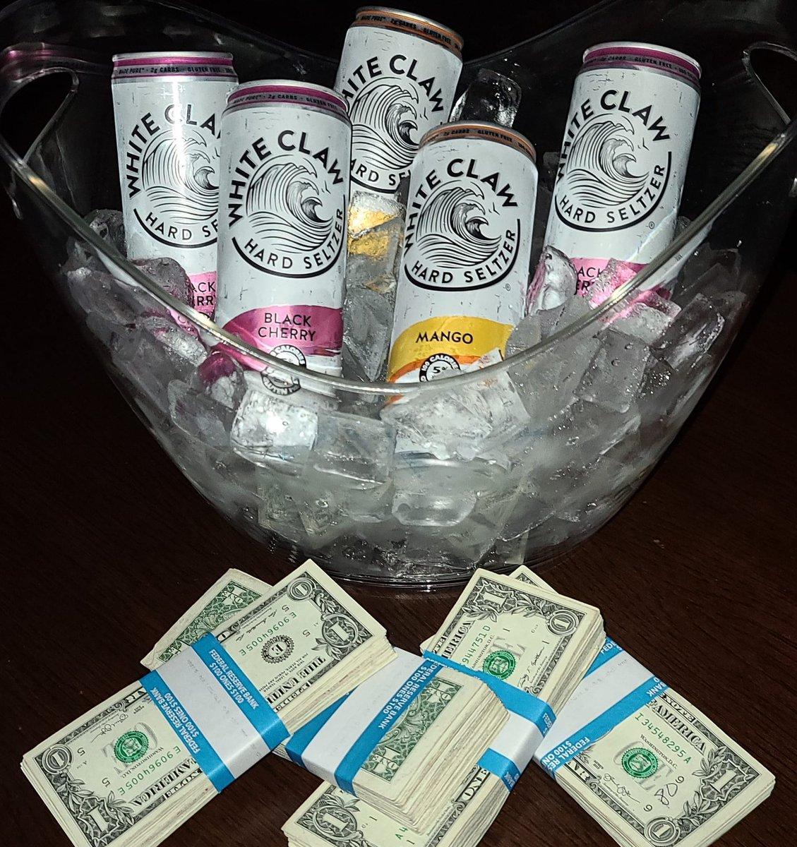 Now serving #WhiteClawWednesday   #mango & #blackcherry #diamonddollspompano #nightlife #stripclub #pompanobeach #poledancer #club #music #gentlemensclub #dancers https://t.co/JCrr2GW85n