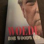 Op ruim tweederde van dit onthullende en fascinerende boek van onderzoeksjournalist Bob Woodward over het Witte Huis van Donald Trump. De president werkte liefst 17 keer mee aan een gesprek en belde Woodward diverse keren spontaan op om te praten #Amerika