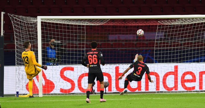 ليفربول يتفوق على أياكس بصعوبة مع بداية مشواره في دوري الأبطال