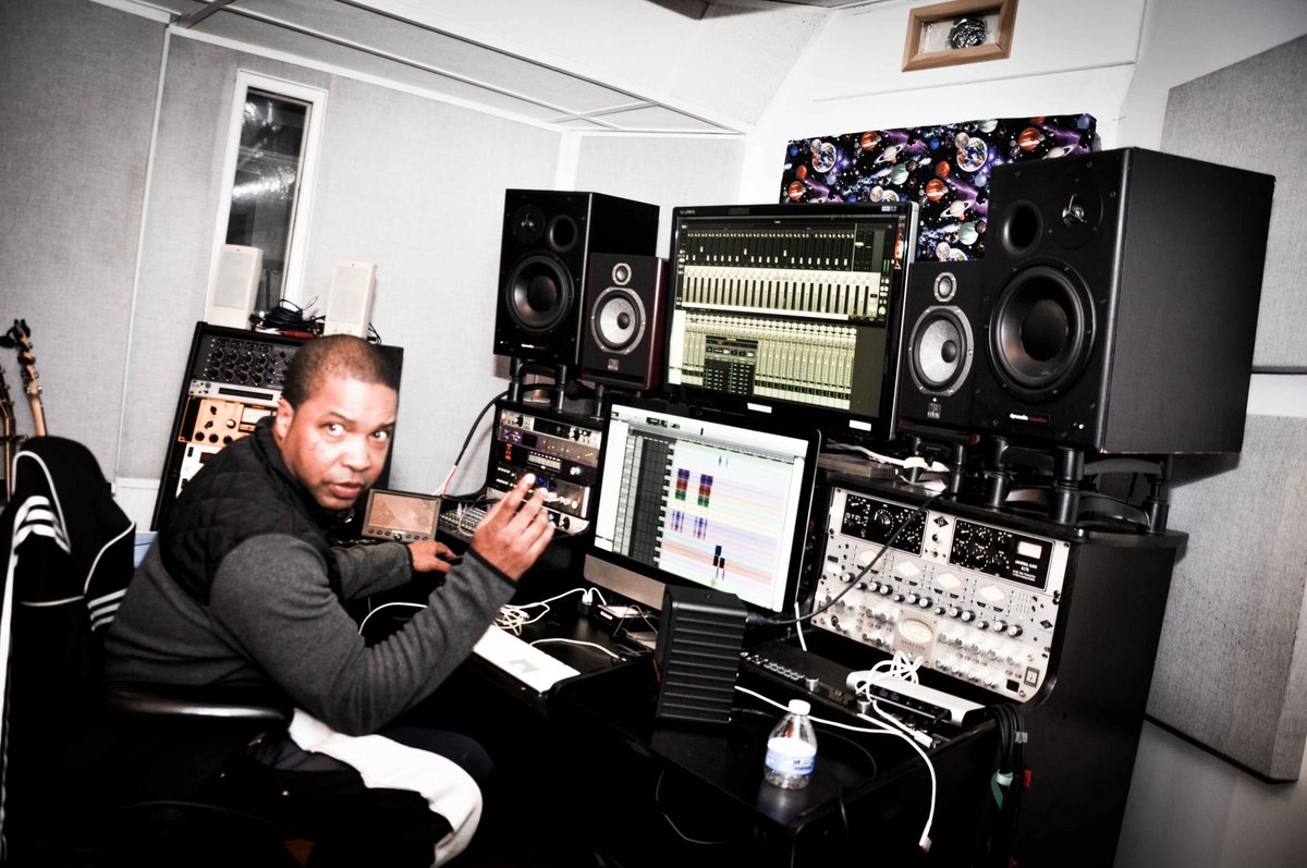 Let's get your music to sound the way you always intended to.  We are running a special discount for our Mixing and Mastering Services. Dm me and lets talk.  Go here to start now: https://t.co/mpQdbxib57  #studioflow #musicproducer https://t.co/KwC4vXuDTf