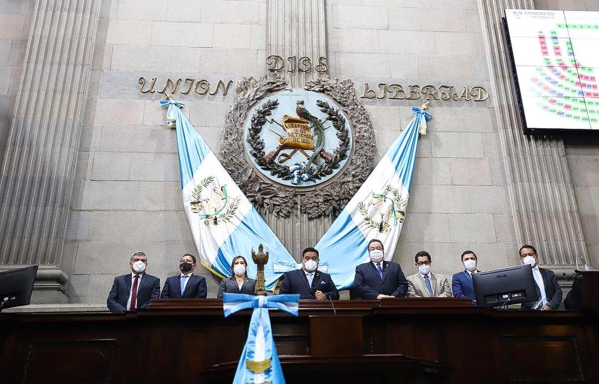 """test Twitter Media - """"Quiero aprovechar para hacer ese llamado a la unidad en el país. Agradezco especialmente a mi bancada, sino fuera por ustedes no podría estar acá"""", dice Rodríguez. https://t.co/MQ1OesXJen"""