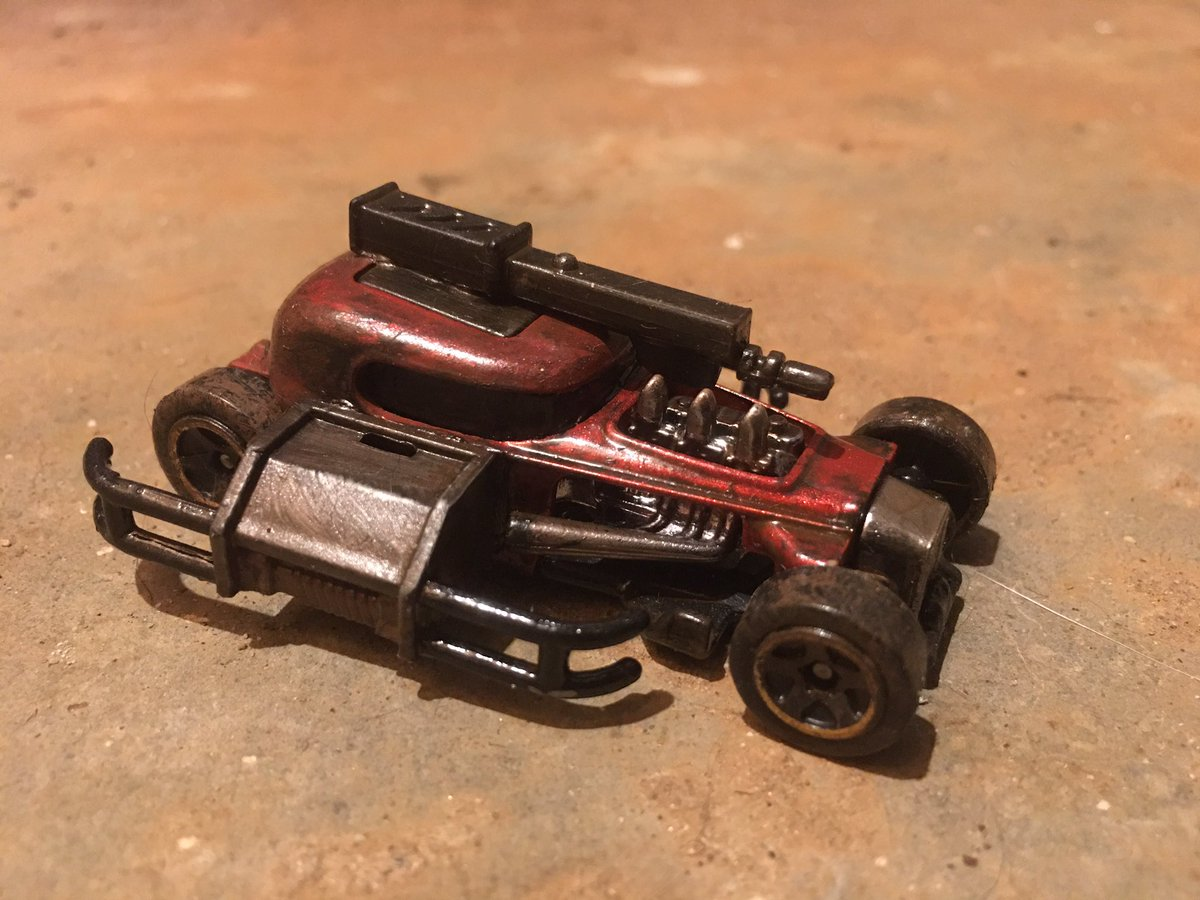 #gaslands #carwars #toymods meet the Red Railer - when she dances for the black swan she really doesn't mind getting her spin on https://t.co/uPk4fIRcvo