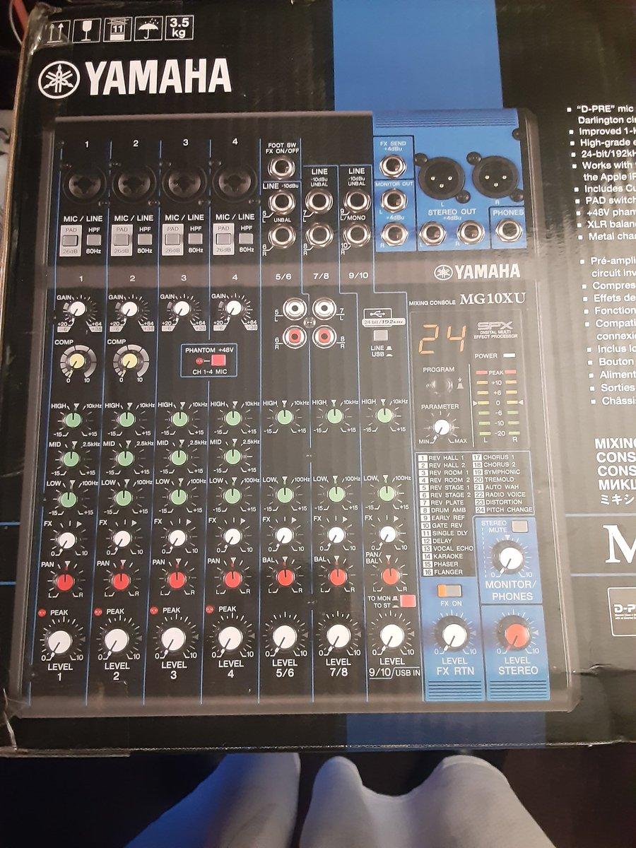 DiVineWayz - NO STREAM TONIGHT!! Installing audio and cleaning setup