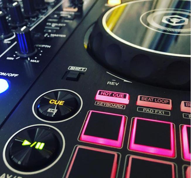 #music #party #ibiza #housemusic #love #dance #Tiesto #Clublife #Trance #ArminVanBuuren #astateoftrance #DonDiablo #Hexagon #techhouse #house #summer #Shapov #SteveAngello #Axwell #Ingrosso #edm #happy #rave  #OliverHeldens #FeddeLegrand  Play here ➡️  https://t.co/zt7tXUERDx https://t.co/j6cHMoxOSZ