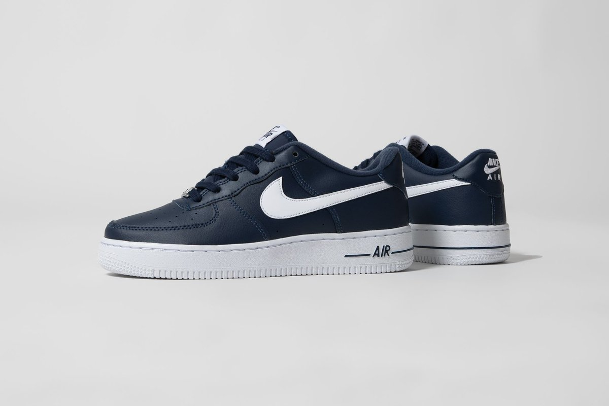 NEW💫 Nike Air Force 1 Low (GS) in Midnight Navy ➡️ https://t.co/WDbJGZ828k  US 4Y (36) - US 7Y (40)  🔎 CT7724-400  #titoloSHOP #titolo #nike #airforce1 #nikeairforce1 #af1 #midnightnavy https://t.co/b1fE4ef5DC